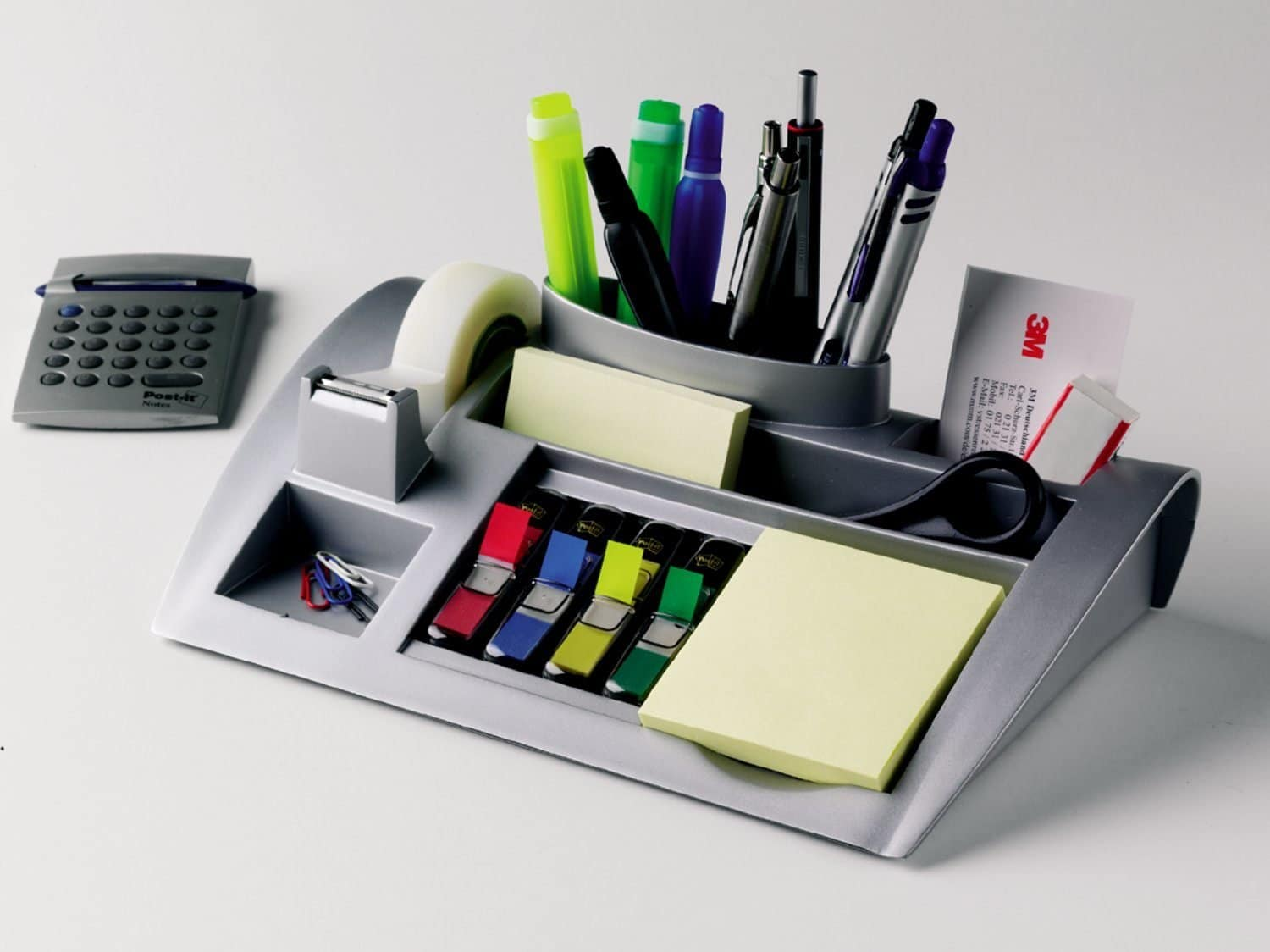 Keep your Desktop Clean with a Post-it Desktop Organizer