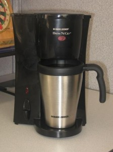 Black and Decker coffee maker Brew N Go in Cubicle